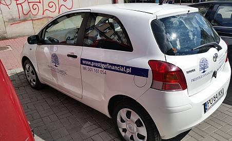 Oklejanie samochodów Kielce - Toyota Yaris - Prestige Financial
